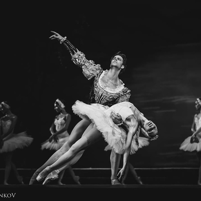 Liudmila Konovalova and Matthew Golding performing in 'Swan Lake.' Courtesy of Liudmila Konovalova, Copyright 2016.